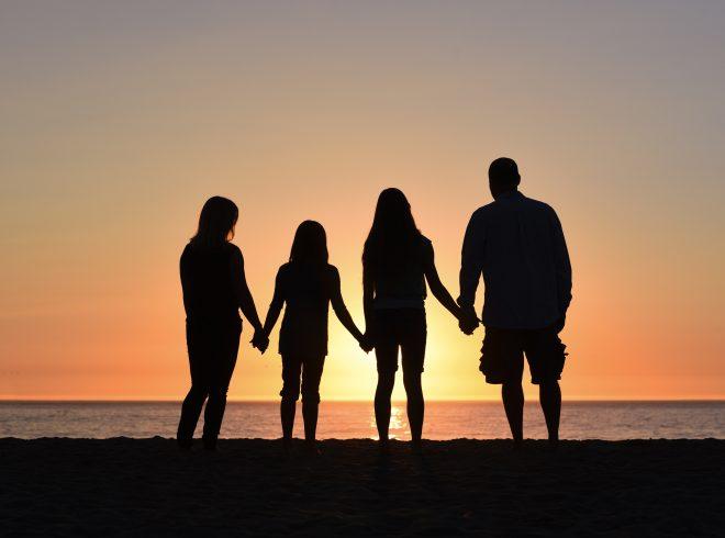 A családon belüli bántalmazás gyakran rejtett módon történik. Mit ne tegyünk a gyerekeinkkel?